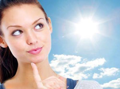 Sử dụng kem chống nắng khi ra ngoài