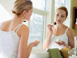 Dùng sai mỹ phẩm có thể làm hại da