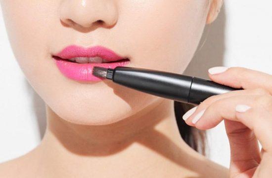 Cách giữ son môi lâu phai