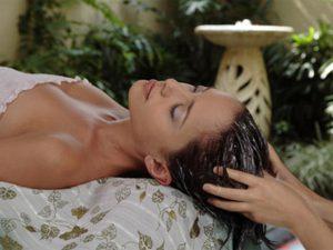Hấp dầu cho tóc bạn cần lưu ý những gì?