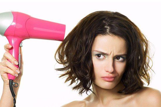 Không sấy tóc ở nhiệt độ cao
