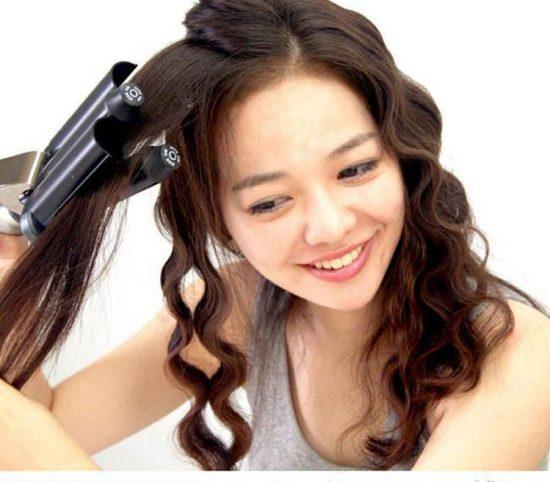 Tóc uốn do hóa chất  khiến tóc bạn yếu đi và rụng