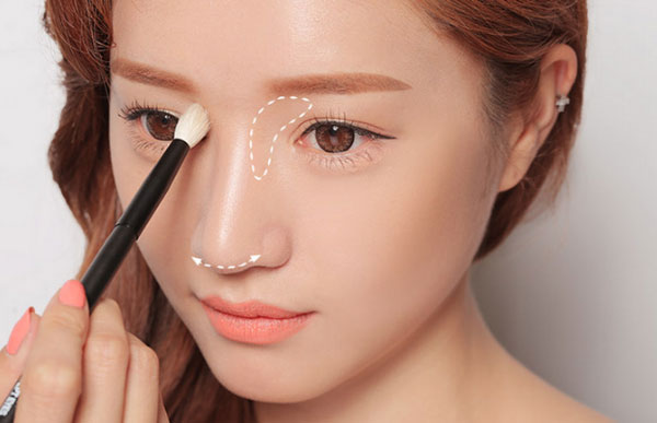 Make-up cho sống mũi thấp
