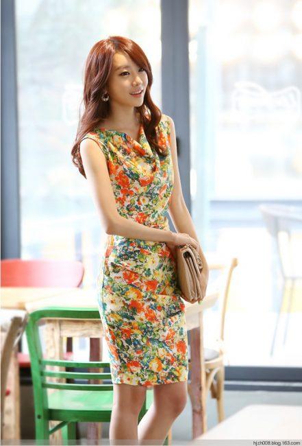 Phong cách nhẹ nhàng tươi trẻ với váy hoa