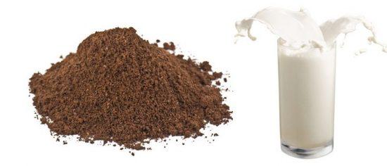 Bã cà phê và sữa tươi làm mờ vết thâm nám