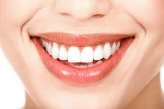 Thực phẩm bào mòn răng bạn vẫn dùng hàng ngày