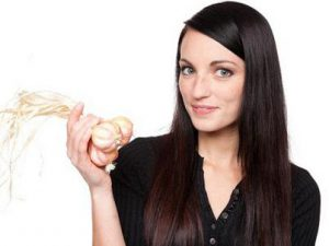 Bí quyết trị tóc rụng hiệu quả từ tỏi