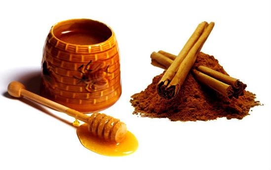 Nước uống từ mật ong và bột quế giúp giảm cân