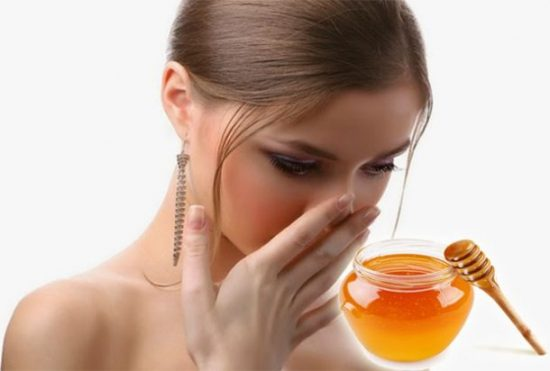 Dùng mật ong nguyên chất