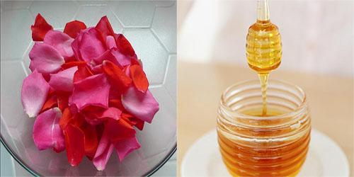 Mật ong với nước hoa hồng trị khô môi