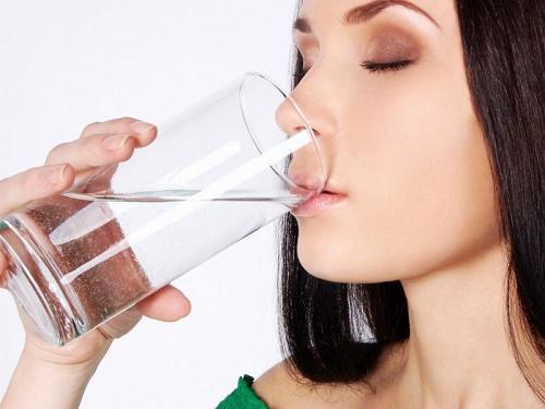 Dùng nước muối