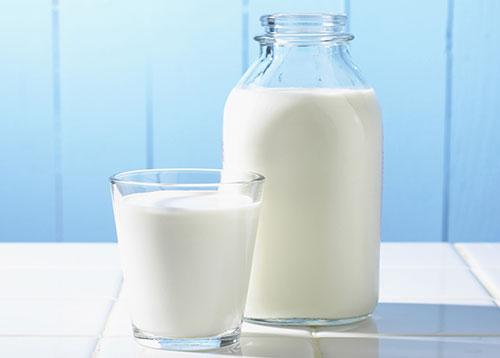 Sữa tươi giúp làm trắng da