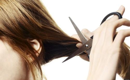 Cắt tóc ngắn giúp phục nhanh tình trạng tóc uốn bị hỏng