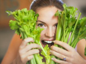 Cần tây và đậu hũ giúp bạn giảm cân hiệu quả
