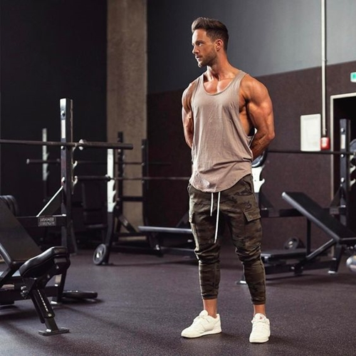Sử dụng đồ riêng trong phòng gym
